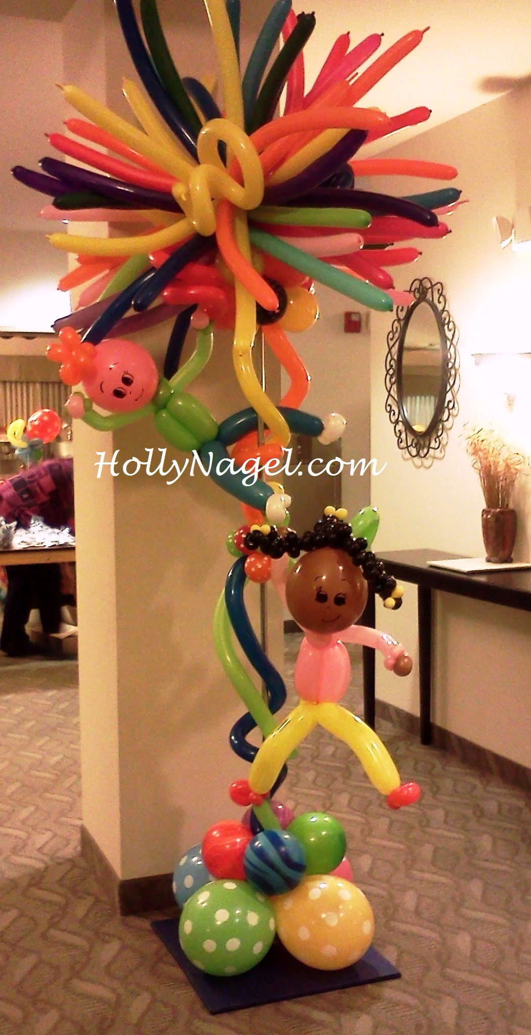 Last minute client request: two of two whimsical #balloonart columns
