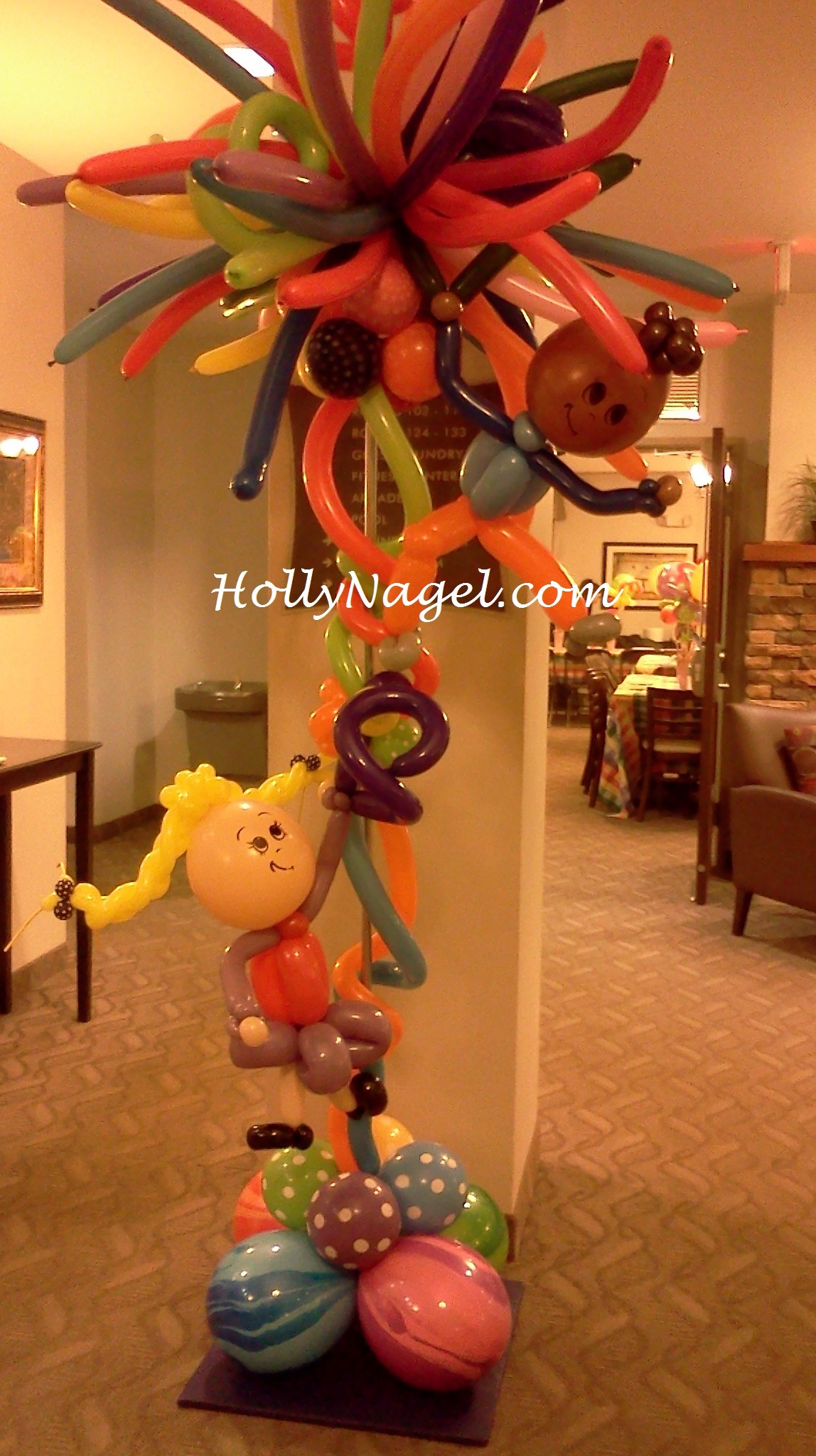 Last minute client request: one of two whimsical #balloonart columns